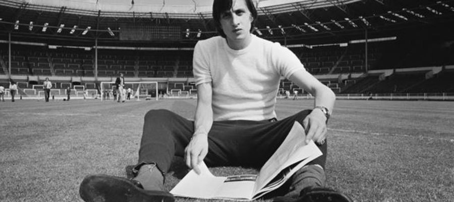 incredible-tribute-at-the-camp-nou-for-johan-cruyff-el-clasico-mp4-480p-mp4-1200x630